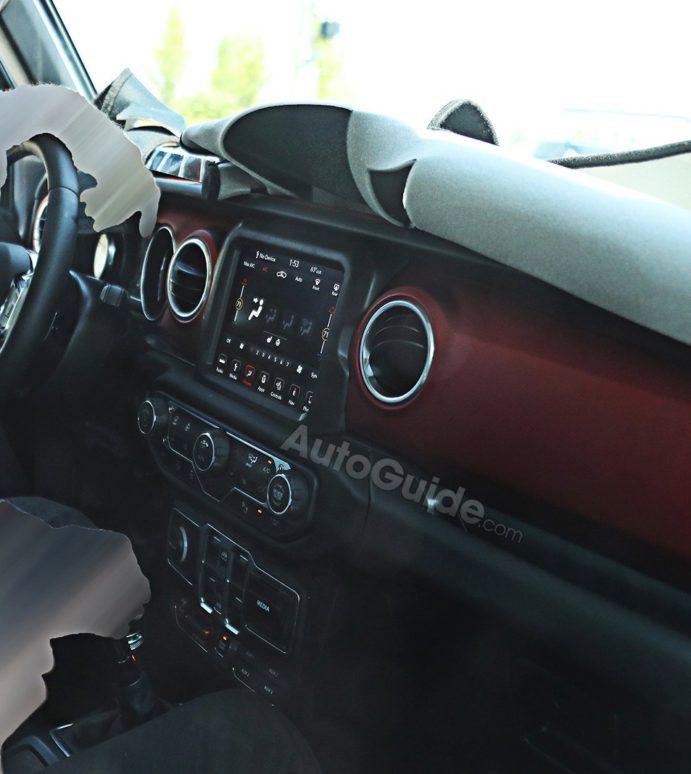 2018 Jeep Wrangler Interior Caught on Camera