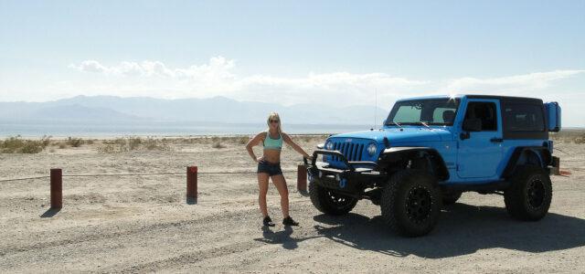 [catie's corner] Exploring the Salton Sea in a Jeep!
