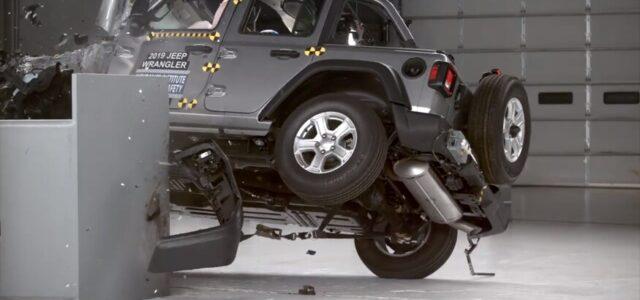 [vid] Latest Crash Test Shows 4-Door Wrangler Tipping Over
